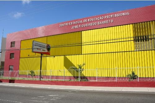 Governo de Sergipe investe no ensino profissional
