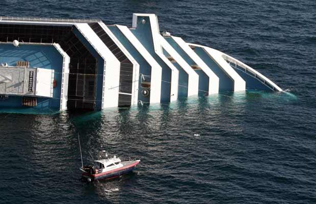 Cruzeiro naufraga na Itália; navio levava 46 brasileiros