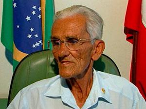 Prefeito morre e vice de 94 anos assume cargo na BA
