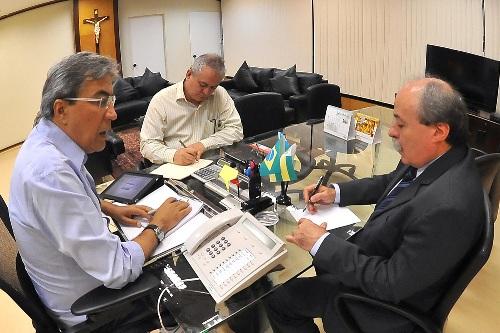 Déda reúne secretários para tratar do fechamento das contas de 2011 e do orçamento deste ano