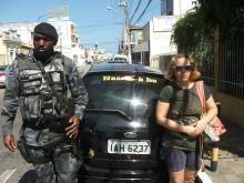 Batalhão de Choque recupera veículo roubado na Aruana