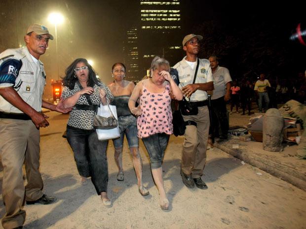 Dois prédios desabam no Centro do Rio e deixa 11 vítimas