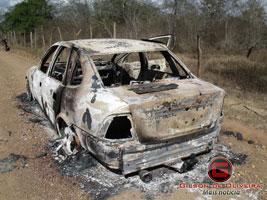 Corpo carbonizado é encontrado em veículo na cidade de Itabaiana, SE