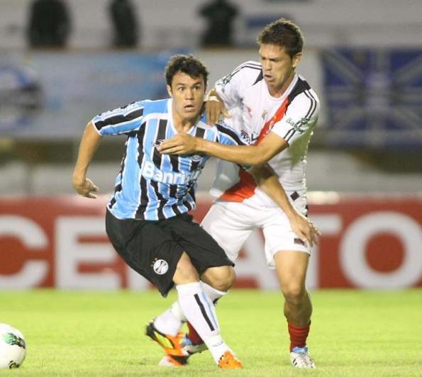 Grêmio vence nos acréscimos o River Plate-SE por 3 a 2, mas não evita novo jogo