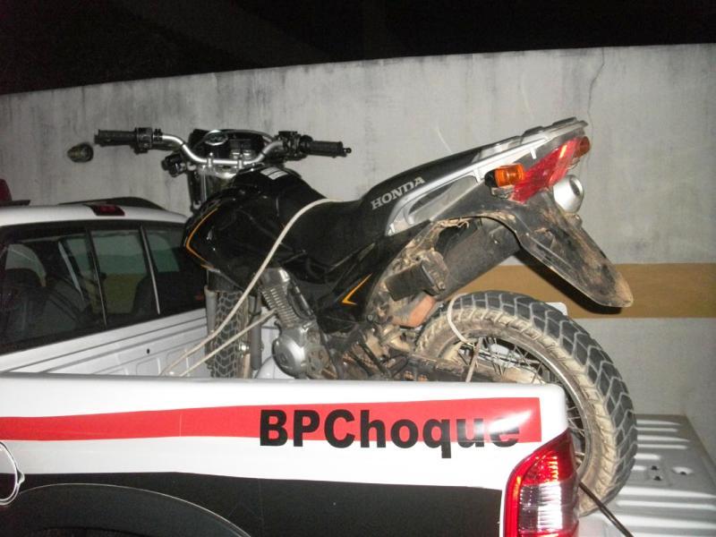 Polícia recupera em Pirambu motocicleta roubada na capital