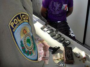 Suspeito de assalto a ônibus é detido na BR 101 em São Cristóvão, SE