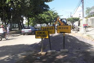 Comunidade do conjunto Augusto Franco reivindica celeridade na finalização das obras da Canal 5