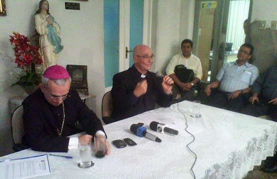 Cônego Carvalho está fora do Colégio Arquidiocesano