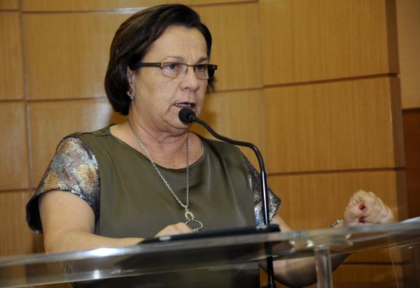 Deputada Ana Lúcia rebate acusações caluniosas de Armando Batalha
