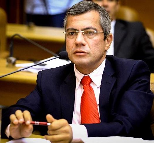 Iran Barbosa denuncia aumento de nomeações na prefeitura de Aracaju