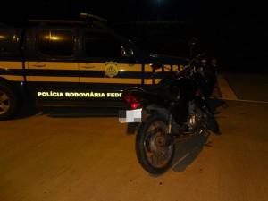 Motocicleta HONDA/CG 150 FAN ESI, com placa de Sergipe. (Divulgação/PRF/SE)