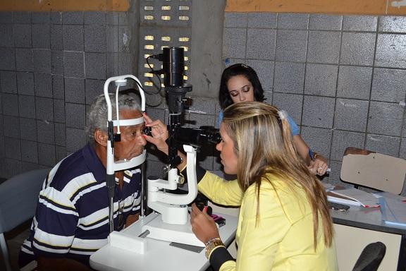 Usuário do SUS fazendo o exame. (Foto: T. Dantas Comunicação)