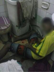 Homem foi executado a tiros dentro do banheiro.(Foto: Isto É Sergipe)