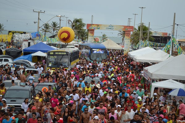 Carnaval da Caueira: Polentinha arrasta pelo menos 50 mil pessoas no Bloco da Prevenção