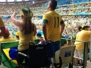 Polícia investiga imagens de torcedores em cadeiras para pessoas com deficiência. (Divulgação)