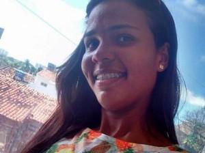 Izabelle morreu após ser atingida por disparos de metralhadora. (Foto: Arquivo Pessoal)