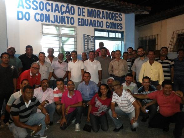 A reunião contou ainda com as presenças dos presidentes de quatro partidos políticos: PT, PPL, PROS e PPS. (Divulgação)