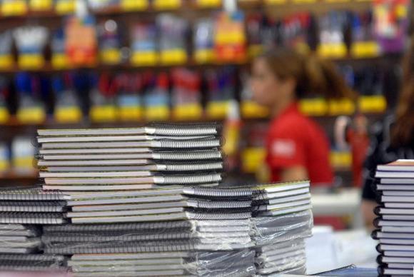 Procon Estadual alerta sobre materiais solicitados na matrícula escolar