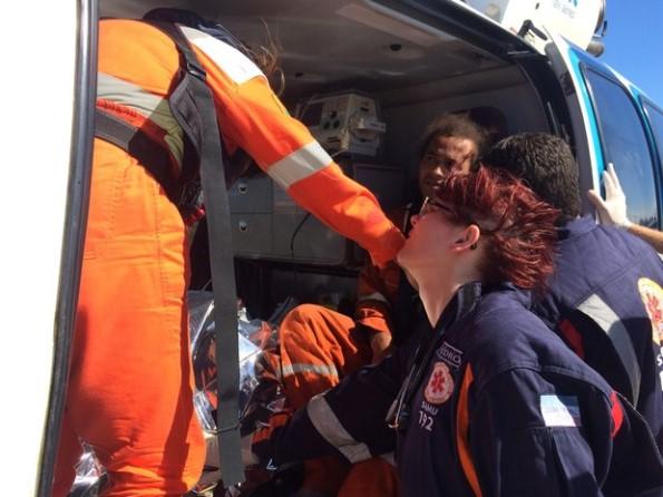 Ferido em explosão no navio-plataforma chega ao Aeroporto de Vitória (Foto: Arquivo Pessoal)