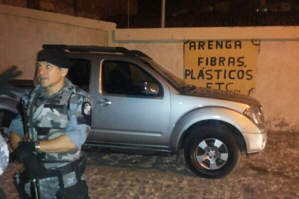Homem é preso em posse de arma de fogo adulterada na rodovia João Bebe Água