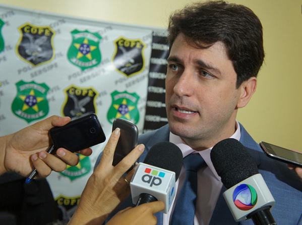 Polícia realiza operação e apreende 7 Kg de drogas no Santos Dumont