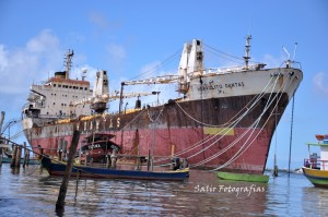 Prazo encerra navio H. Dantas não é retirado do rio Sergipe