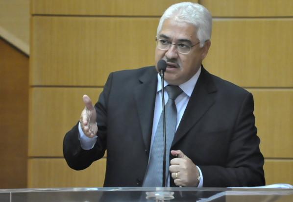 tornou indisponíveis os bens do deputado estadual Zezinho Guimarães  (Foto: Janaína Santos/Agência Alese)
