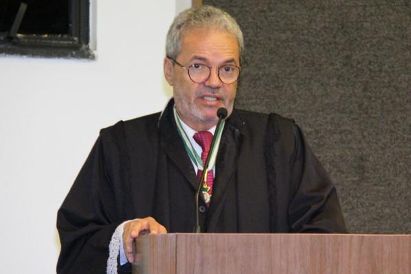 Conselheiro Clóvis Barbosa é empossado como novo presidente do TCE. (Foto: Cleverton Ribeiro)