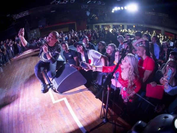 Wesley Safadão nos EUA: cantor encerra turnê com filas e selfie com fãs