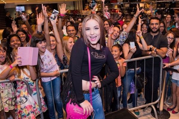 928fb5f691002 Larissa Manoela faz show em Aracaju pela primeira vez.. (Foto  Divulgação  Birô