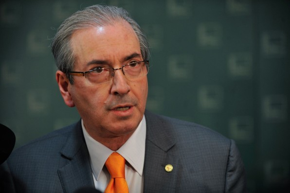 Justiça autoriza publicação de livro de autor que usa pseudônimo Eduardo Cunha