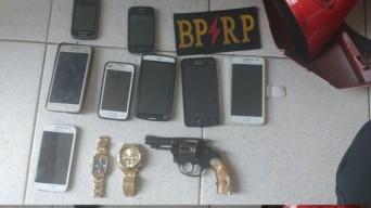 Polícia localiza desmanche de motos roubadas e apreende arma de fogo no Lamarão