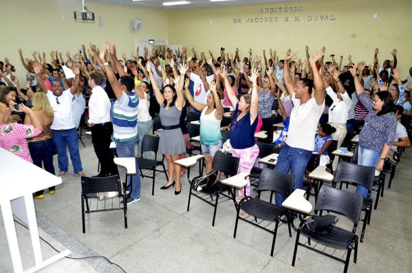 PEC proíbe parcelamento de salário de servidores públicos
