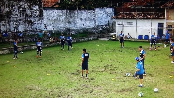 Pelo 2º dia chuvas atrapalham treinos do Confiança para encarar Fortaleza.
