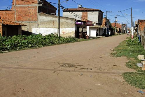 Serviços de drenagem e esgotamento beneficiam mais de 30 mil moradores do bairro Santa Maria.