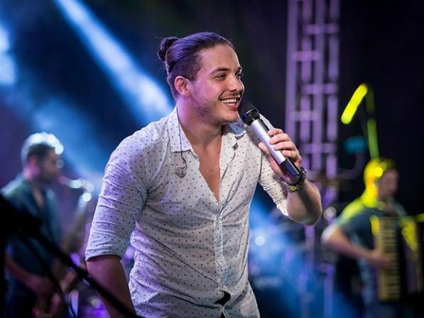 Wesley Safadão comanda show na véspera do aniversário de Aracaju