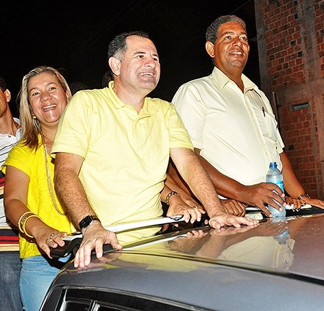 Protagonista da polêmica que agitou os bastidores da política em São Cristóvão, Armando Batalha foi prefeito por dois mandatos 1997/2004. Em 2012, por conta da ficha suja, renunciou a candidatura para apoiar sua esposa Rivanda Batalha, que foi eleita com 41,84% dos votos validos.
