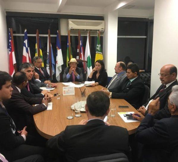 Em sua visita a Brasília, o prefeito juntamente com seu vice passaram por diversos gabinetes de deputados federais, senadores e ministros . (Foto: