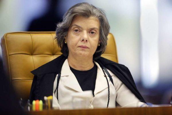Ministra Cármen Lúcia suspende o ato de posse até que seja juntada ao processo a decisão do STJ, para análise dos pedidos apresentados ao STF, sem prejuízo de reexame da decisão liminar. (Foto: STF / Divulgação)