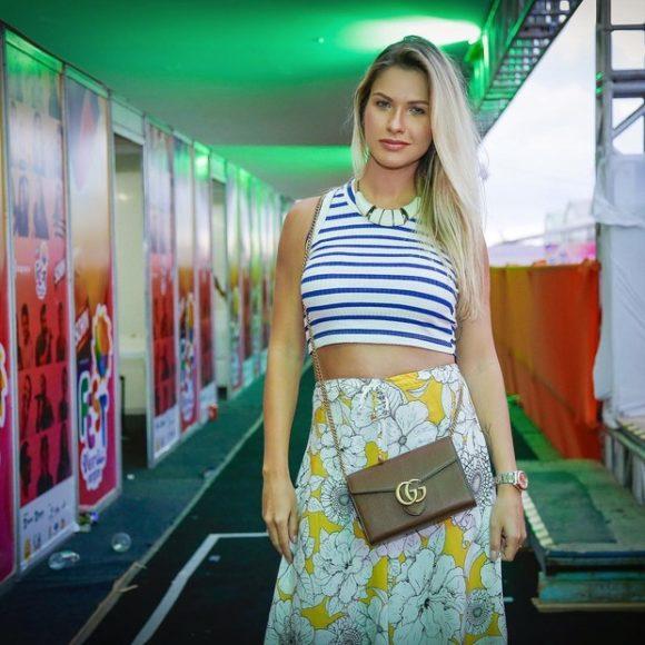 Andressa Suita no show de Gusttavo Lima em Aracaju (Foto: Reprodução/Instagram)