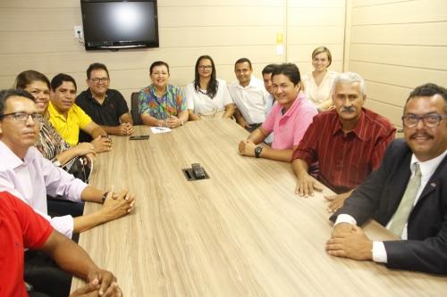 Na manhã desta segunda-feira (16), cumprindo agenda administrativa em Aracaju, dez vereadores de Itaporanga D'Ajuda, foram recebidos em audiência pela conselheira Susana Azevedo. (Foto: Cleverton ribeiro/TCE)