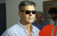 Ator Leonardo Vieira vai a delegacia no Rio após sofrer homofobia na web