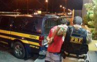 PRF prende dois foragidos com mandados de prisão em aberto pelos crimes de homicídio