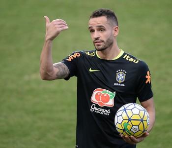 Renato Augusto durante treino da seleção brasileira em Belo Horizonte (Foto: Pedro Martins/MoWA Press)