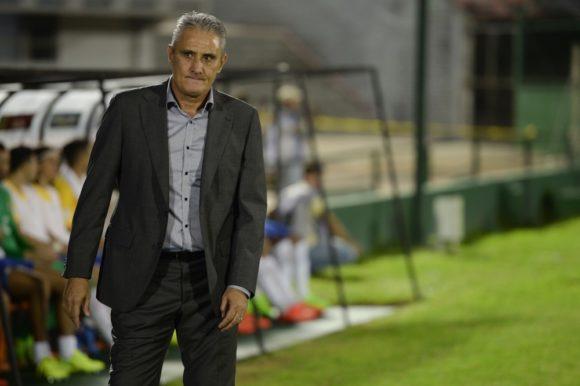 Tite vai conseguir levar o Brasil à Copa, agora quer minimizar efeitos da euforia em torno da Seleção (Foto: Pedro Martins/Mowa Press)