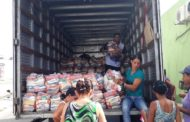 Prefeitura da Barra dos Coqueiros distribui cestas básicas para famílias de baixa renda