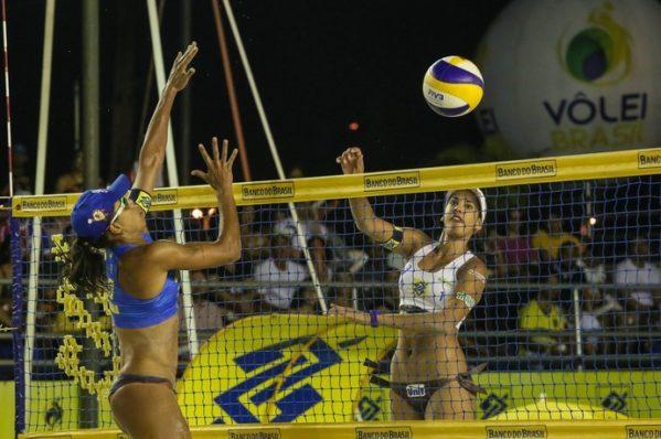 Anfitriã, Duda passa por Juliana na semifinal de Aracaju v(Foto: Shana Reis/MPIX/CBV)