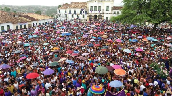 Milhares de fiéis participam da Festa do Senhor dos Passos, tradicional manifestação religiosa da quarta cidade mais antiga do Brasil e primeira capital sergipana, São Cristóvão. (Foto: arquivo/Orácio Oliveira)