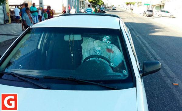 Marchante é executado dentro de veículo na periferia da cidade de Itabaiana. (Foto: Gilson de Oliveira/Itnet)
