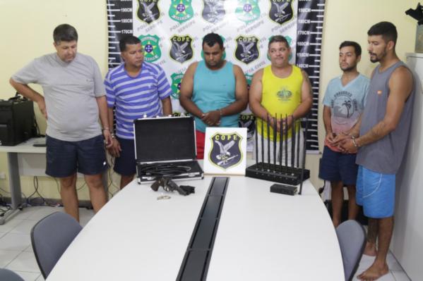 Grupo foi preso após tentativa de roubo a uma carga de leite em pó na Bahia. Abordagem aos suspeitos ocorreu na cidade sergipana de Cumbe.
